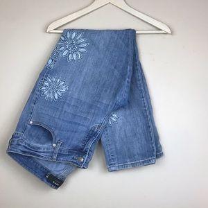 Torrid   Light Wash Embroidered Boyfriend Jeans